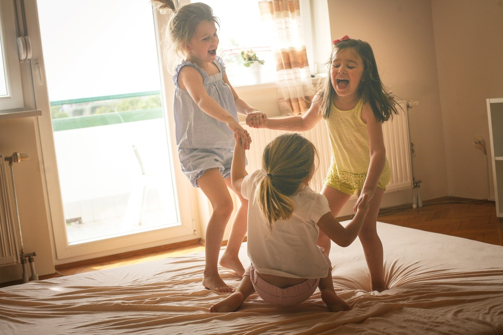 Healthstories-girls-sisters