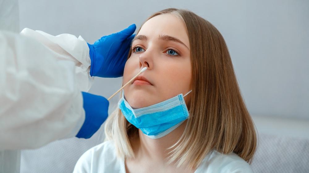 Μέχρι και 6 μήνες τα συμπτώματα της COVID-19 σε παιδιά και έφηβους