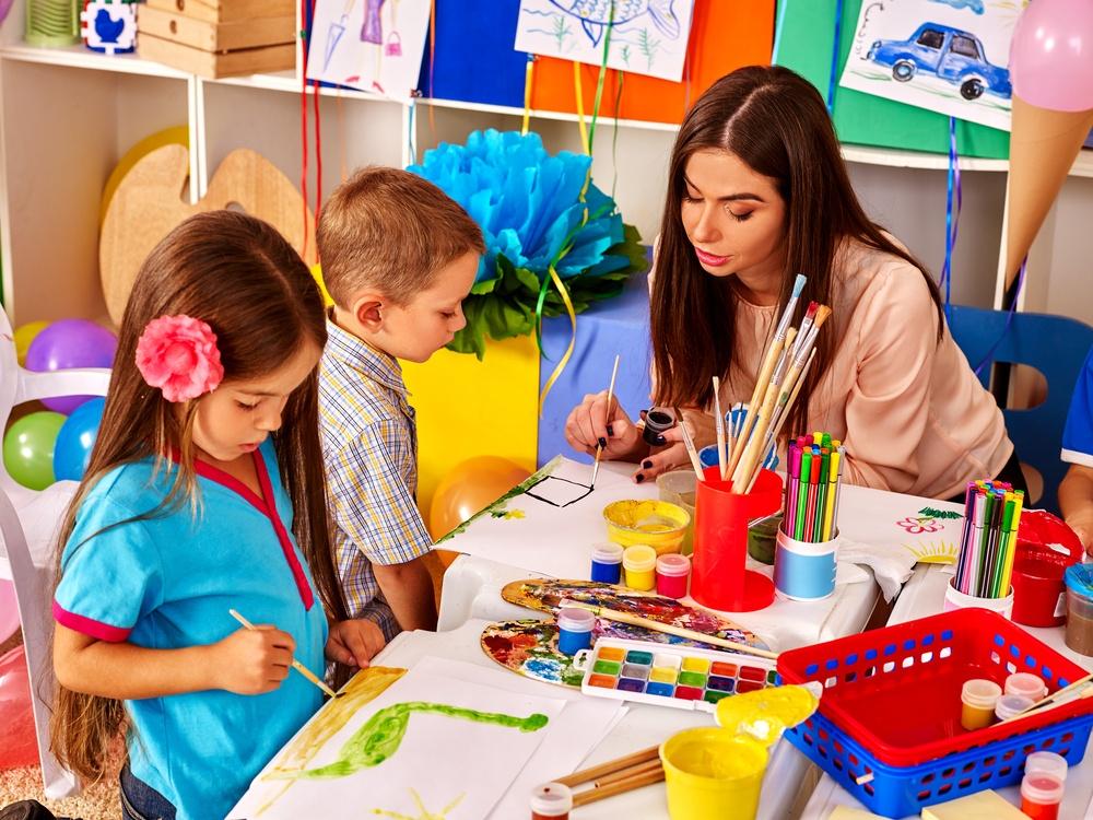 Ξεκίνησε η υποβολή αιτήσεων για τη χορήγηση 150.000 voucher σε παιδικούς σταθμούς