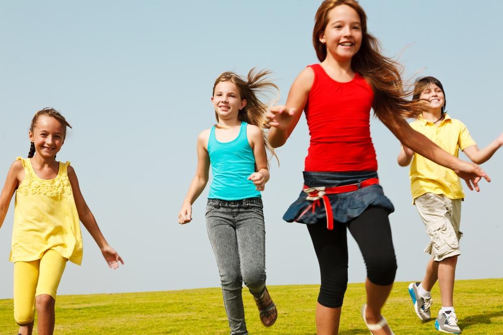 Πορτοκαλί φως για τους εμβολιασμούς παιδιών 12-15 ετών μέχρι νεωτέρας