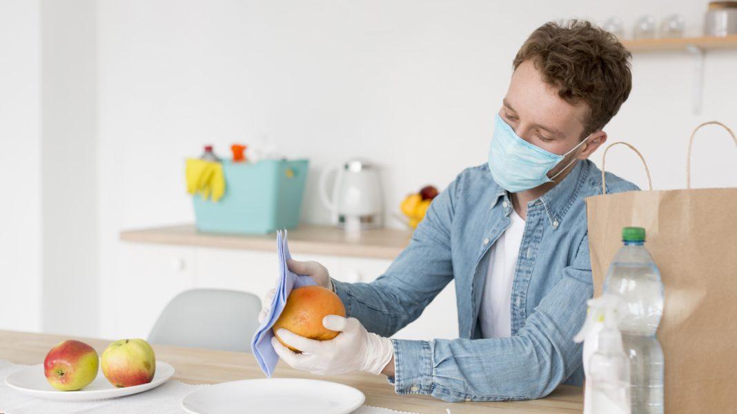 Γνωρίζετε πώς θα πλύνετε σωστά τα φρούτα και τα λαχανικά σας;