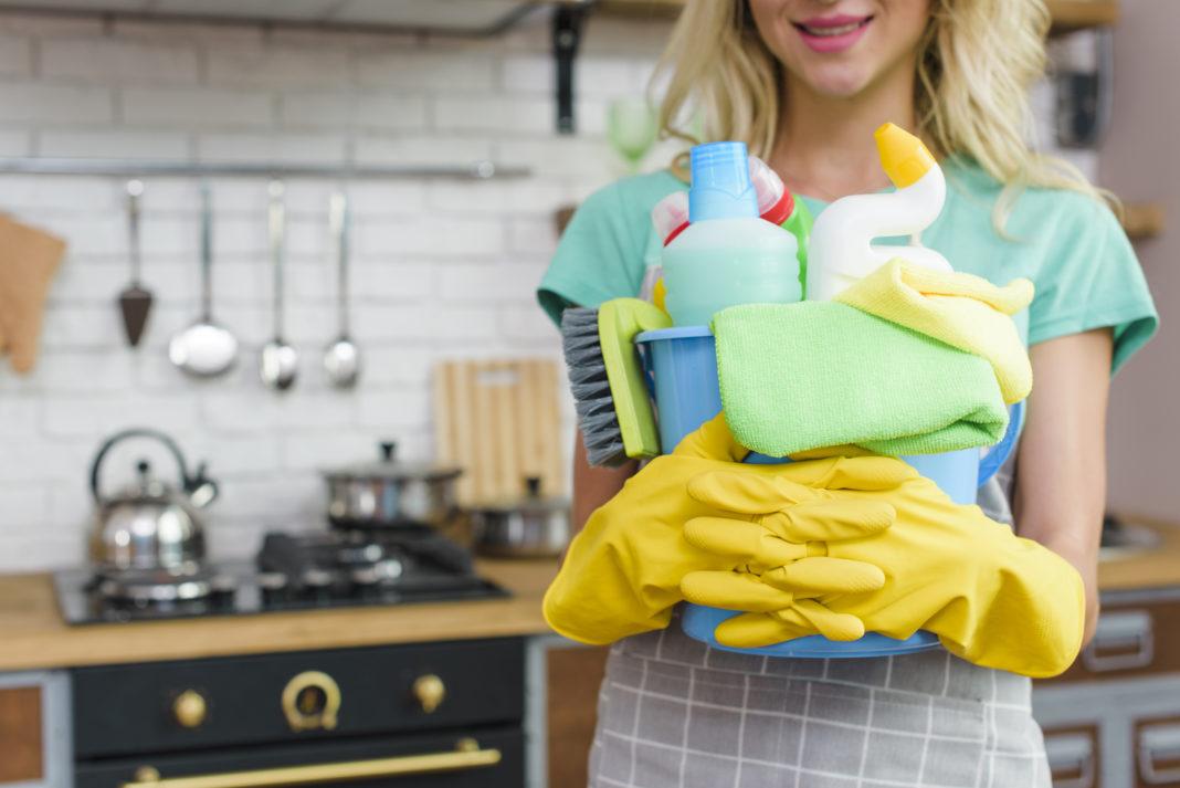 5+1 σημεία στην κουζίνα μας που ξεχνάμε να καθαρίσουμε