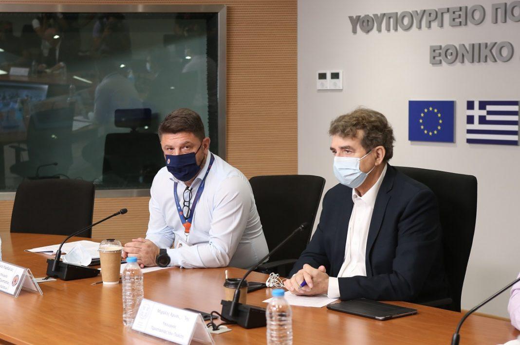 Kαύσωνας: Έκτακτα μέτρα για τους εργαζομένους προανήγγειλε ο Χρυσοχοΐδης