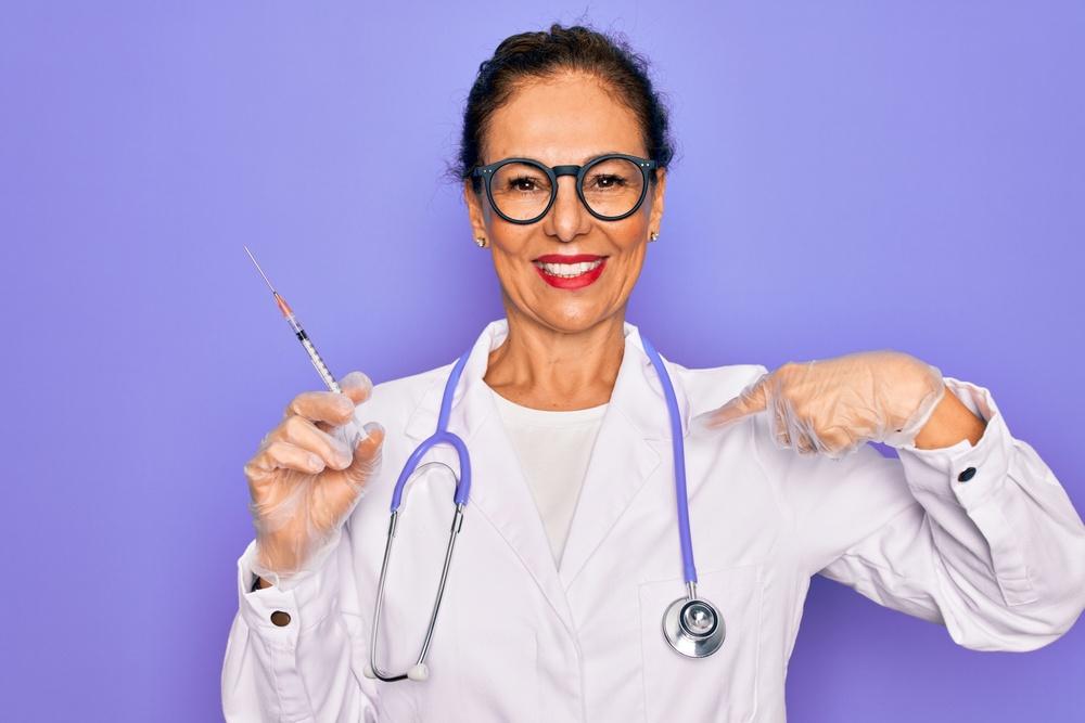 Εμβόλια mRNA Πόσο προστατεύουν τους υγειονομικούς όταν φροντίζουν ασθενείς με COVID-19