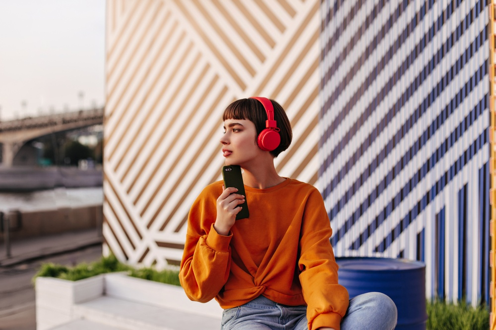 Healthstories-Πόση ώρα να χρησιμοποιούμε τα ακουστικά και σε ποια ένταση