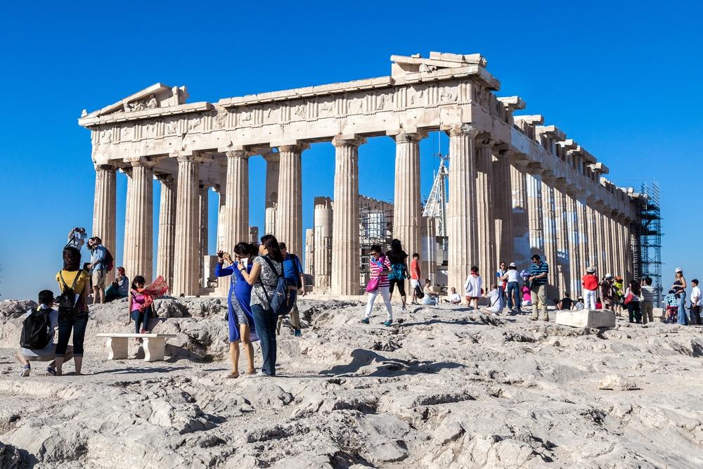 Τι πρέπει να ξέρουν οι επισκέπτες στην Ελλάδα αν χρειαστεί να κάνουν τεστ Covid-19