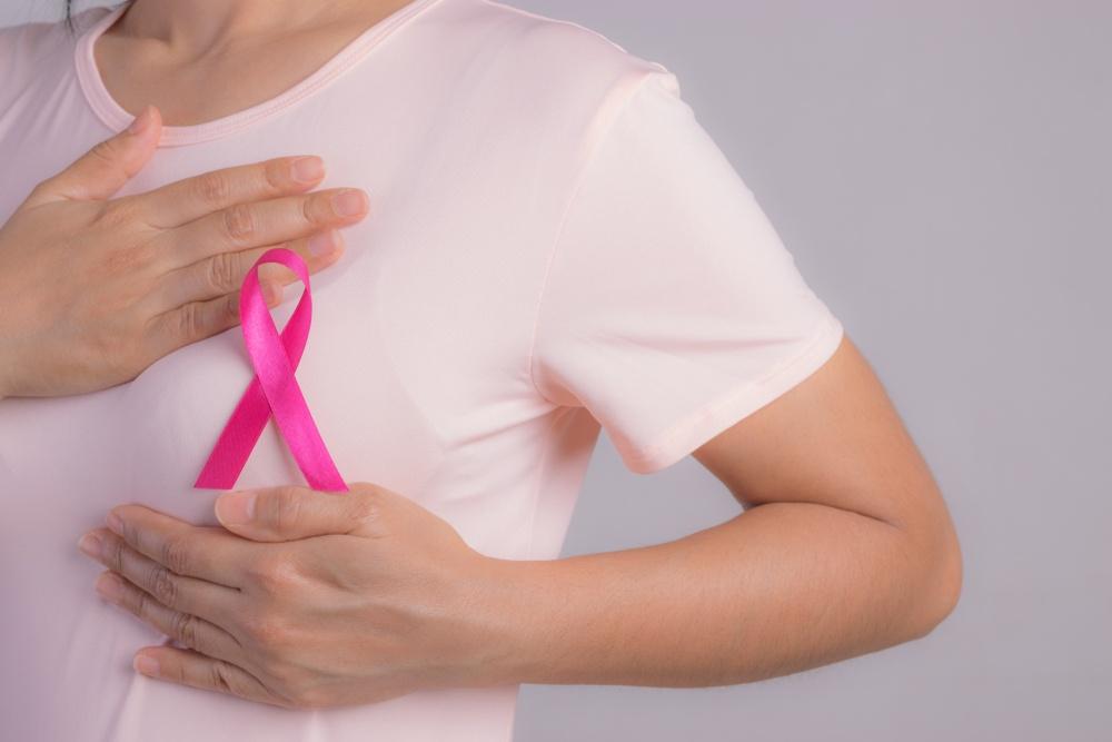 Καρκίνος του Μαστού: Αυτοεξέταση του μαστού σε απλά βήματα (video)